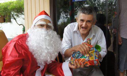 Campanha Natal Memorável entrega presentes a quase 70 pessoas