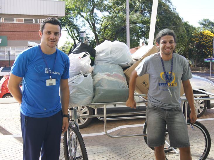 Doação de roupas: mais de 400 peças são destinadas à Leão XIII