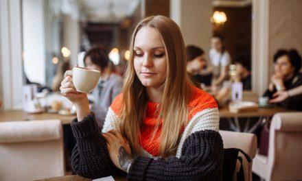 Você iria a um Café da Morte? Saiba o que é e como esse encontro pode ser benéfico