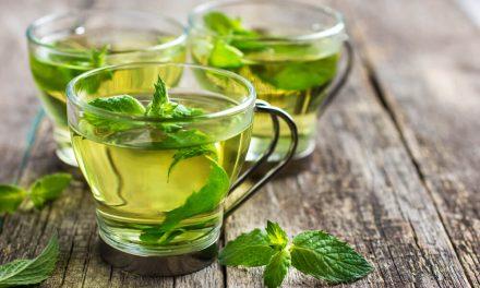 Aprenda a preparar 7 chás que funcionam como remédios naturais