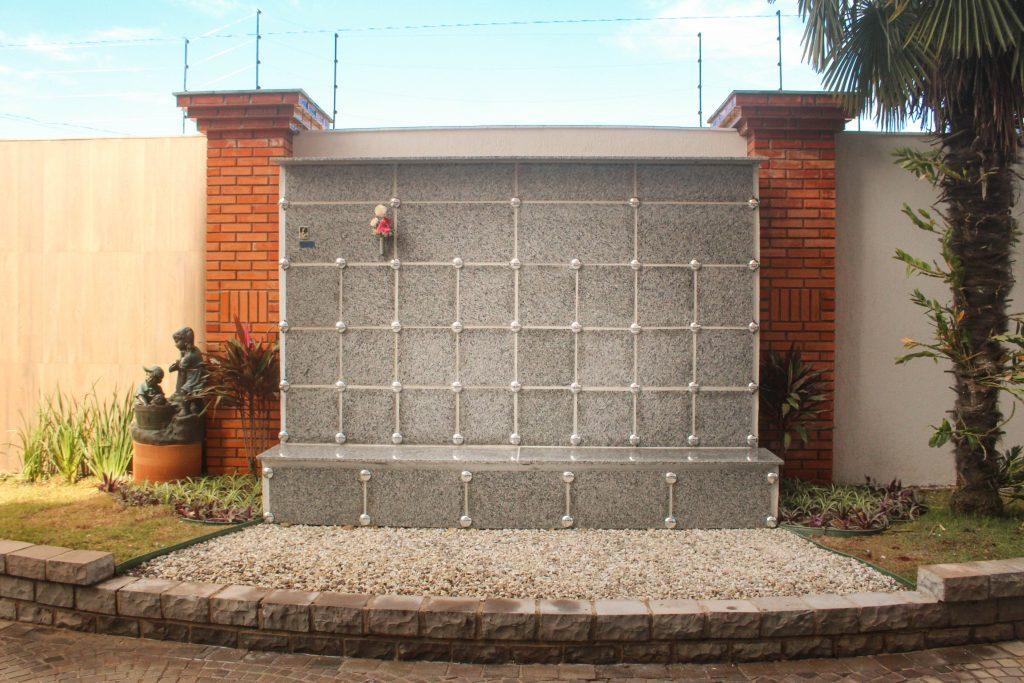 Vista frontal do Cemitério Pet - Memorial Pet Vera Cruz